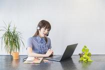 オンラインレッスンで海外の外国人に日本語を教える